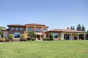 Former Sacramento King and fan favorite Bobby Jackson once called this luxurious estate in Granite Bay home.