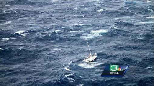 Sailboat stranded  in Hawaii
