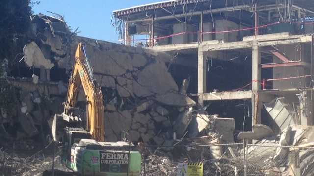 South wall comes down at Downtown Plaza. (Aug. 15, 2014)