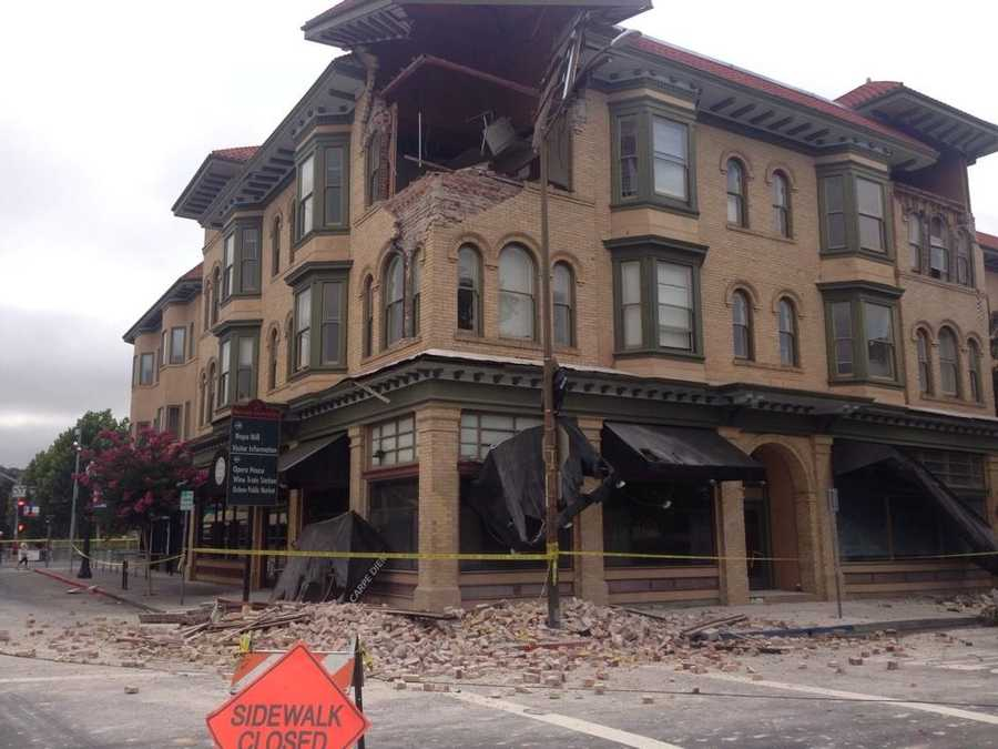 Earthquake damage to the Carpe Diem Wine Bar in downtown Napa. (Aug. 24, 2014)