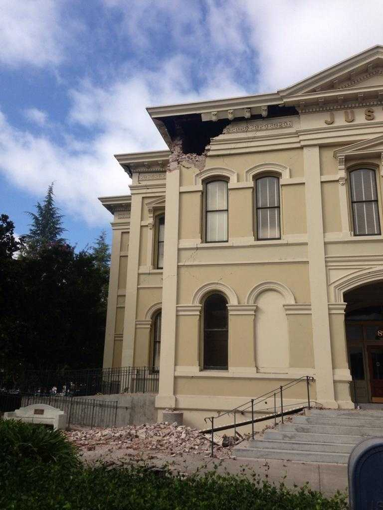 Napa's historic courthouse was damaged in Sunday morning's earthquake. (Aug. 24, 2014)