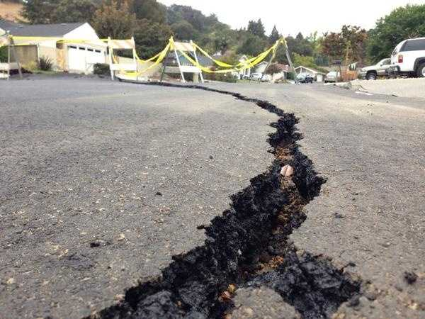 Napa County has been rattled by a small aftershock to the strong and damaging earthquake that hit California's wine capital over the weekend. (Aug. 28, 2014)