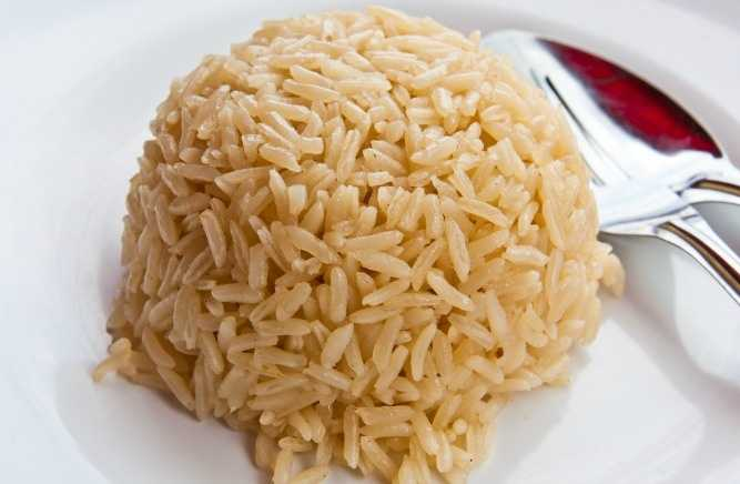 4. Brown Rice: Just like whole grains, brown rice is a food that will help you feel full.