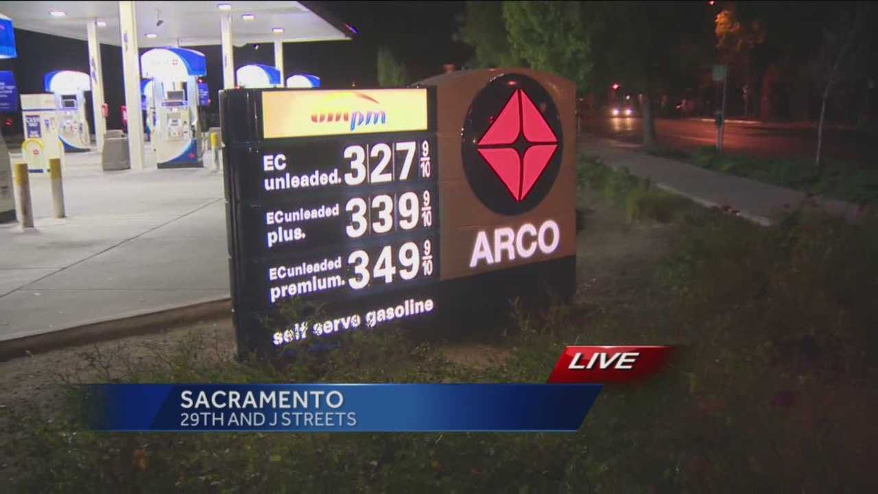 Gas prices continue to fall, and at some local gas stations, they are even lower than the national average.
