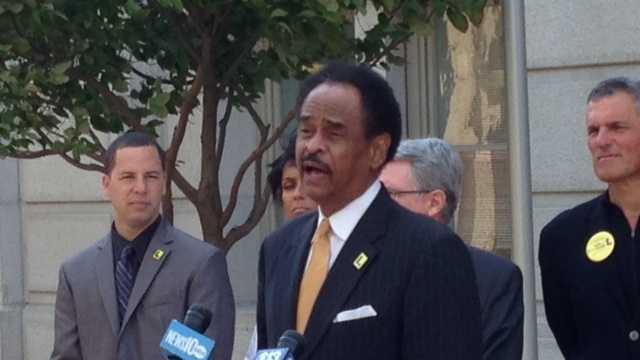 Oakland Vice Mayor Larry Reid speaks in Sacramento (Oct. 14, 2014).
