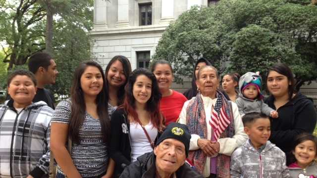Korean War vet Joe Castaneda and his family (Nov. 11, 2014)
