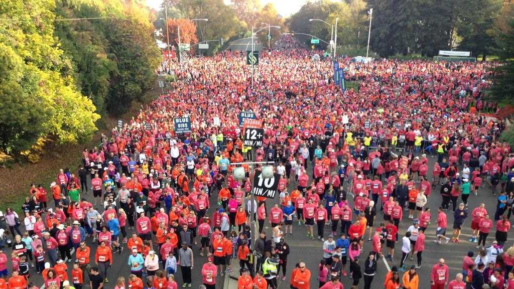 Nearly 30,000 took part in the 21st annual Run to Feed the Hungry, the largest Thanksgiving Day race in the country. (Nov. 27, 2014)