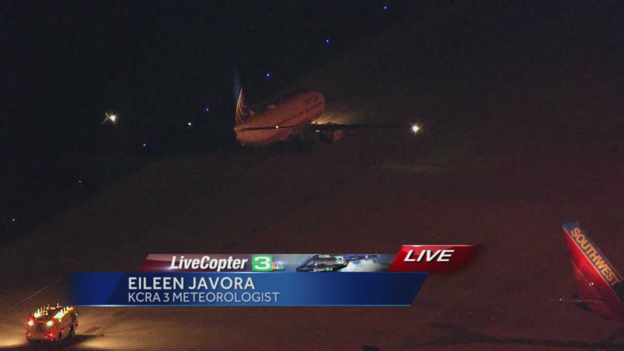 An outbound flight from Sacramento to Denver was forced to make an emergency landing at Sacramento International Airport after hitting some birds, and KCRA 3 meteorologist Eileen Javora was on the flight and described what happened.