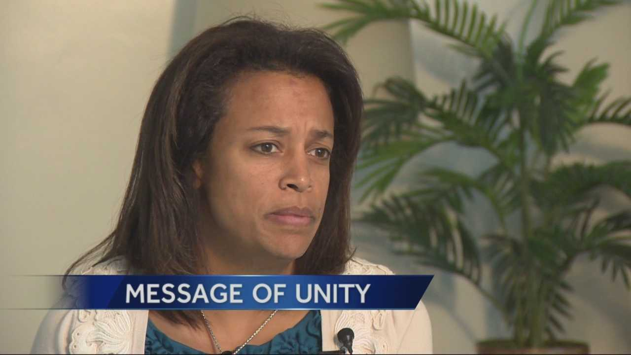 Susan Oliver, wife of slain police officer Danny Oliver, received an invitation to attend the State of the Union address and hopes to hear a message of unity from the president.