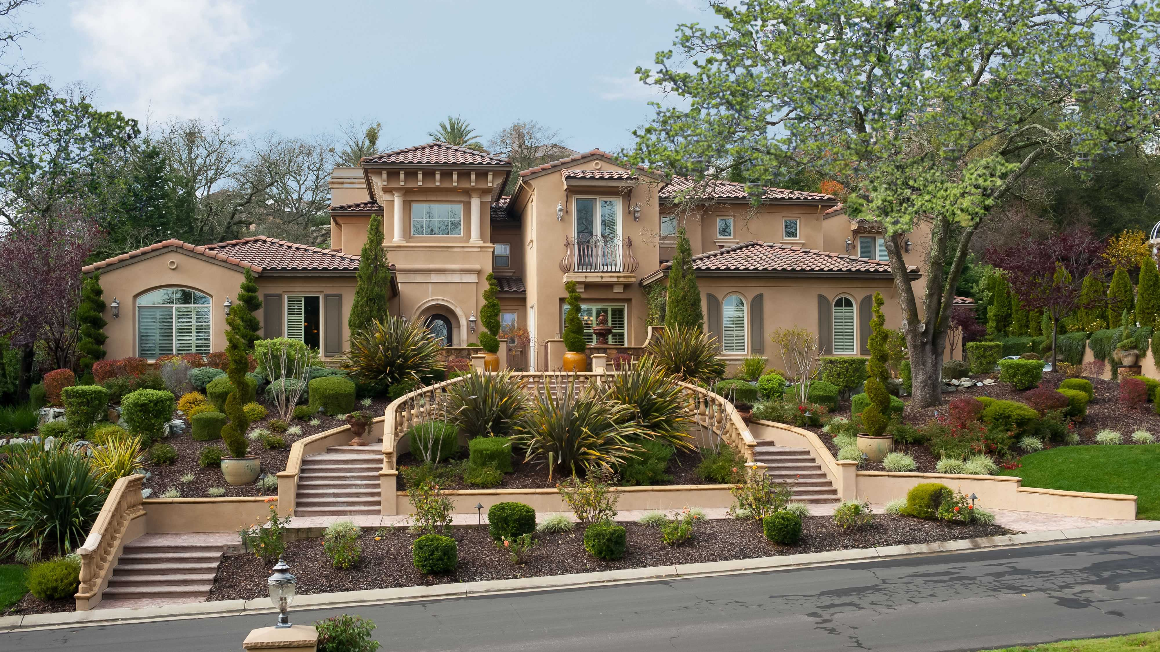 Cycle through this slideshow to see photos of the Granite Bay mansion that is the grand prize in the Sacramento Dream House Raffle. Proceeds from the raffle benefit the Ronald McDonald House Charities of Northern California.