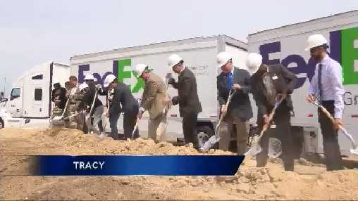 hundreds of new fedex jobs coming to tracy