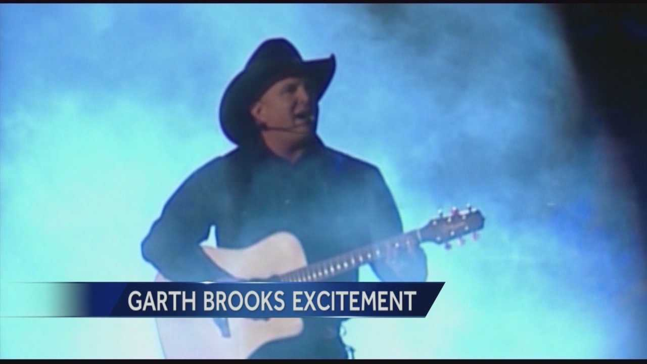 Country music icon Garth Brooks has arrived in Sacramento, and there is one place he has to eat before he leaves.
