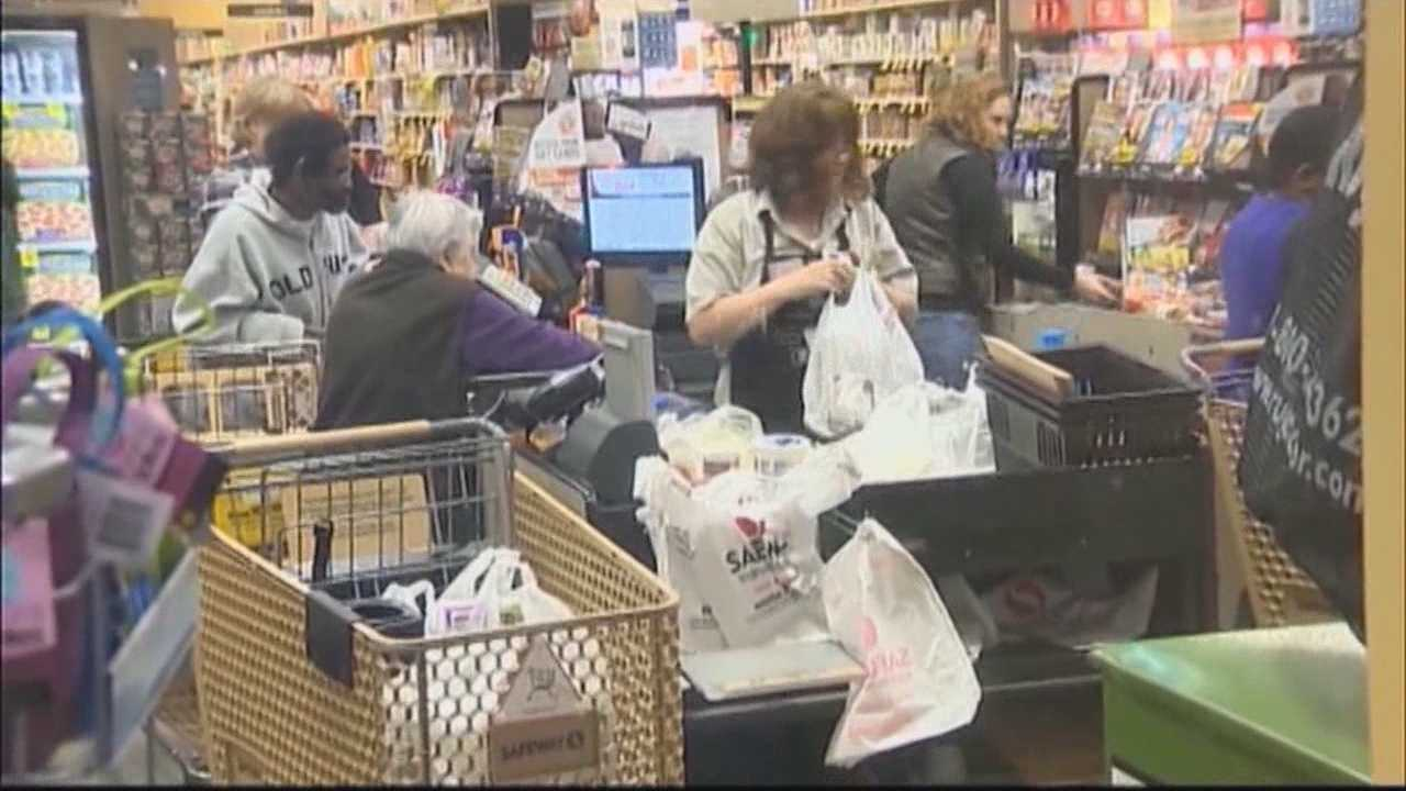 The Sacramento City Council voted to pass a ban on plastic bags in the city of Sacramento.