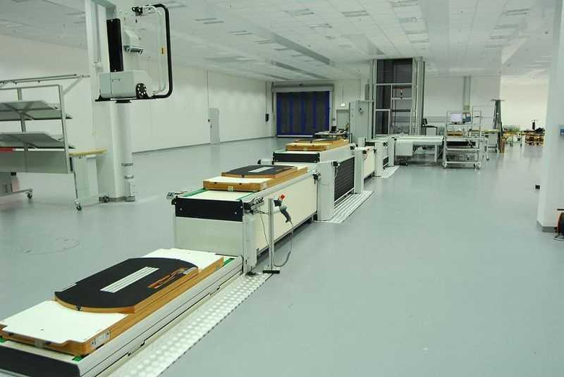 10.) Floor assembler