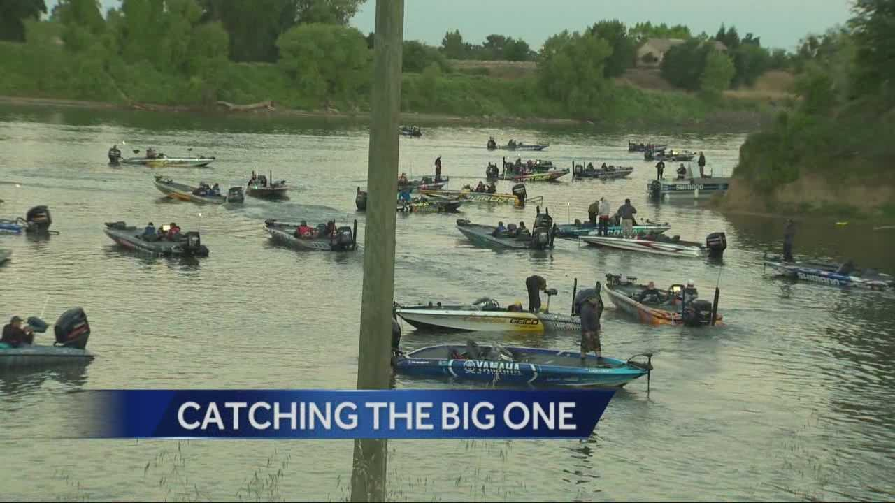 Some of the country's top professional fisherman were out on the Sacramento River Delta for the start of the Bassmaster Elite Series tournament for a price of $100,000.