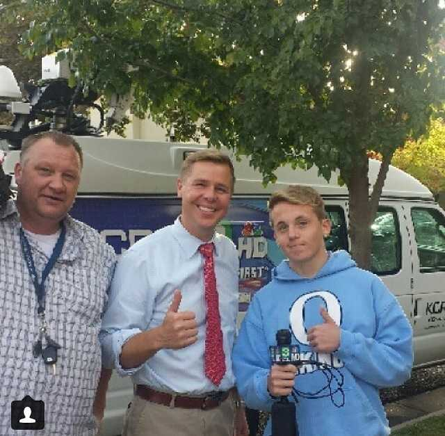 There's always time for a little LOL.Looks like Richard Sharp found his little brother -- or son? -- today while out reporting. @jason_randall_ just tagged us in this shot and we can't stop laughing. You guys look like family! (To be clear, they're not).