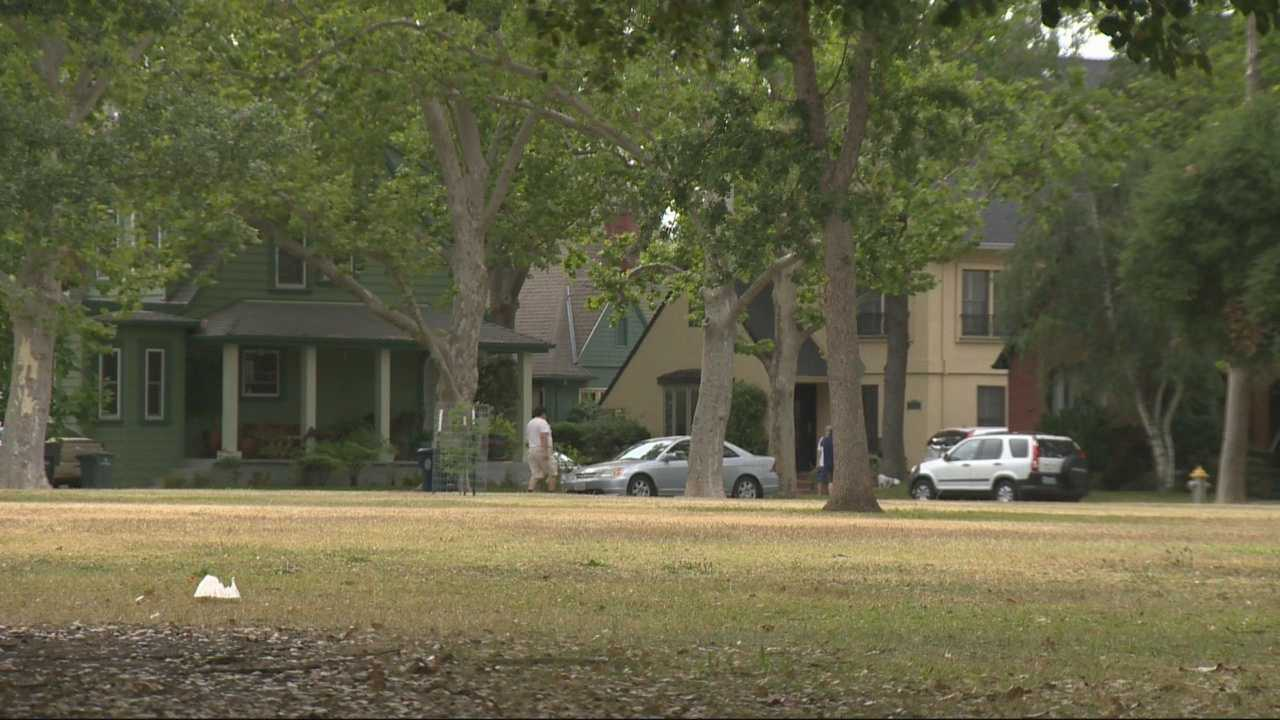 Neighbors are coming together in the Land Park and Curtis Park neighborhoods after the communities were hit by a  rash of daytime burglaries.