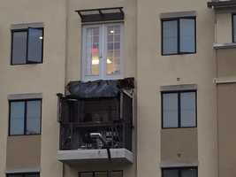 A fourth-story balcony collapsed and came to rest upside down at a Berkeley apartment complex. (June 16, 2015)
