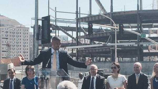 Sacramento Mayor Kevin Johnson announces that the new downtown arena will be named the Golden 1 Center. (June 16, 2015)