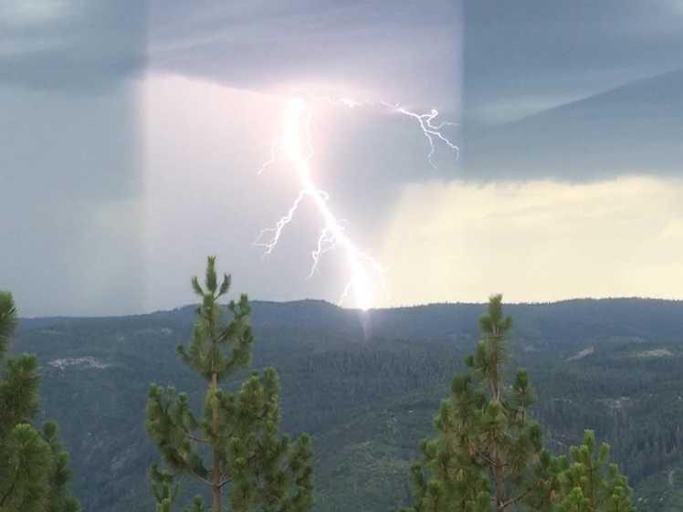 Lightning near the El Dorado National Forest (July 2, 2015)