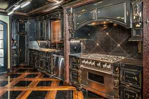 Take a look! The kitchen features the best of the best in appliances.