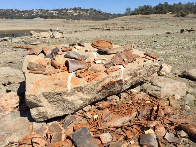 Ruins of sunken town re-emerge as drought drains Folsom Lake.