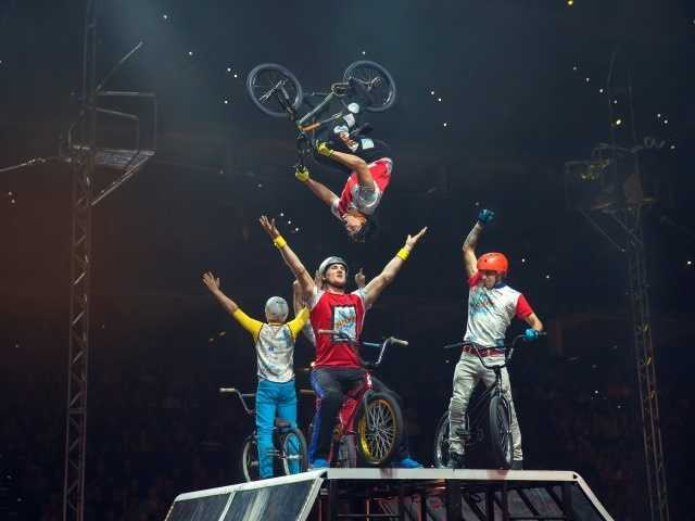 What: Circus Xtreme: Ringling Bros. and Barnum & Bailey CircusWhere: Sleep Train ArenaWhen: Fri 7pm&#x3B; Sat 11am, 3pm & 7pm&#x3B; Sun 1pm & 5pmClick here for more information about this event.