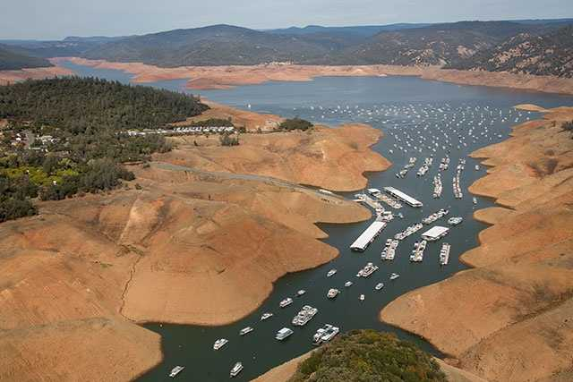 Another aerial shot of Lake Oroville's Bidwell Marina. (Oct. 23, 2015)