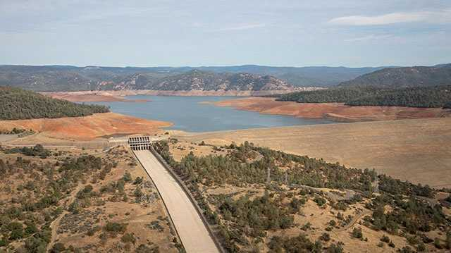 Aerial photo of Oroville Dam at Lake Oroville. (Oct. 23, 2015)