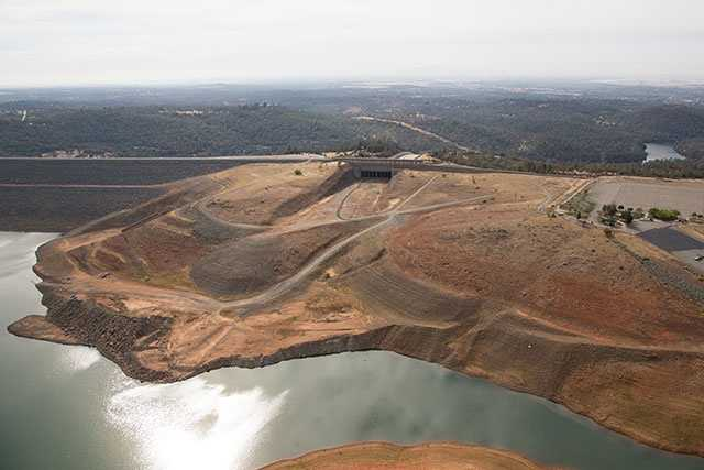 Aerial photo of Lake Oroville at the spillway. (Oct. 23, 2015)
