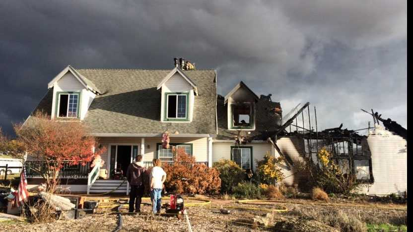 A fire caused damage to a home in Rancho Murieta. (Nov. 25, 2015)