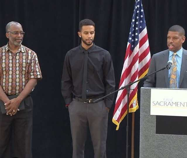 Yesterday, #Sacramento welcomed home Anthony Sadler, the @sacstate senior who was one of the men hailed as a hero for stopping a suspected terrorist on a Paris-bound train. Mayor Kevin Johnson thanked Sadler, who spoke briefly in front of City Hall, alongside his father. We also thank him and the other Sacramento men, Spencer Stone and Alek Skarlatos, for their heroism. // @sacramento_ca @cityofsacramento #sacramentoproud #sacstate #mayorkevinjohnson #americanheroes #hometownheroes #usa #heroes #kcra #kcra3