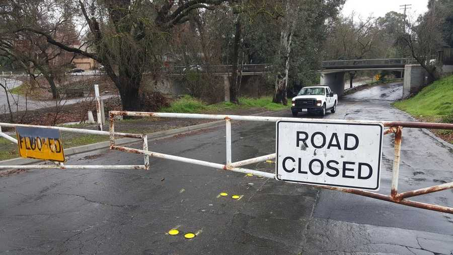 Modesto city crews closed a portion of Morton Boulevard because of concerns of flooding from Dry Creek. (Jan. 19, 2016)