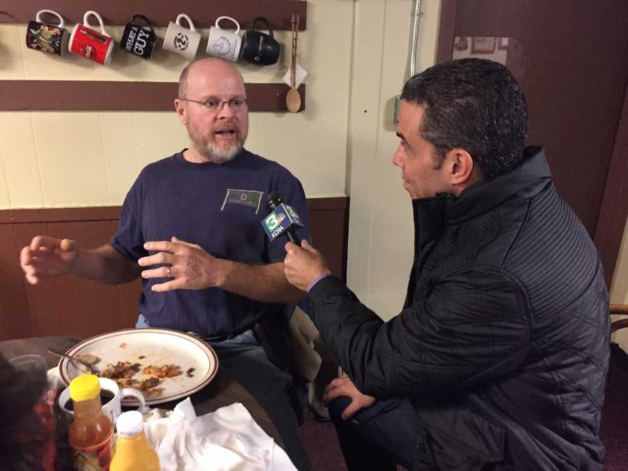 KCRA's Gulstan Dart interviews voter in Iowa.