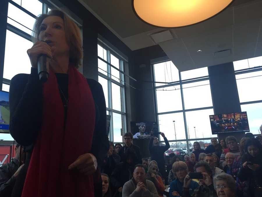 Republican candidate Carly Fiorina gives a speech to voters in Iowa.