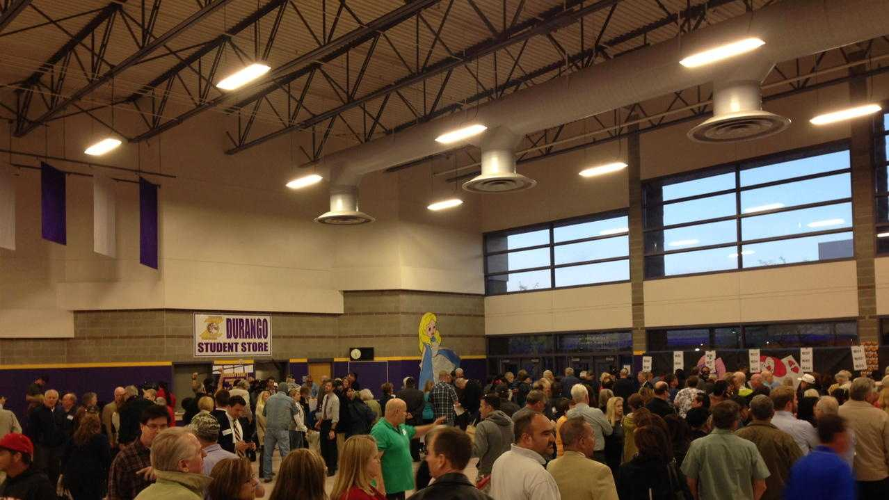 Voters line up at a Las Vegas gym on Tuesday, Feb. 23, 2016, to take part in the Nevada GOP caucus.
