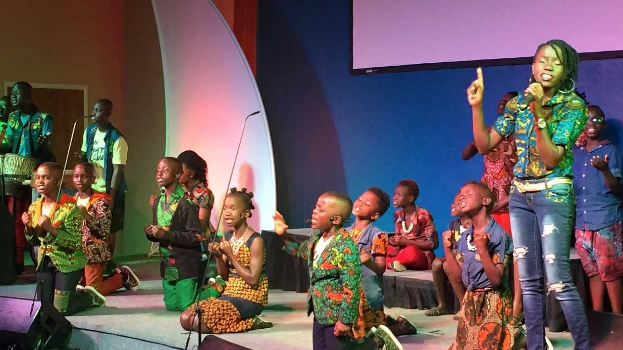 The Watoto Children's Choir, made up of 18 orphans from Uganda, are spreading the message of hope through song. (March 3, 2016)
