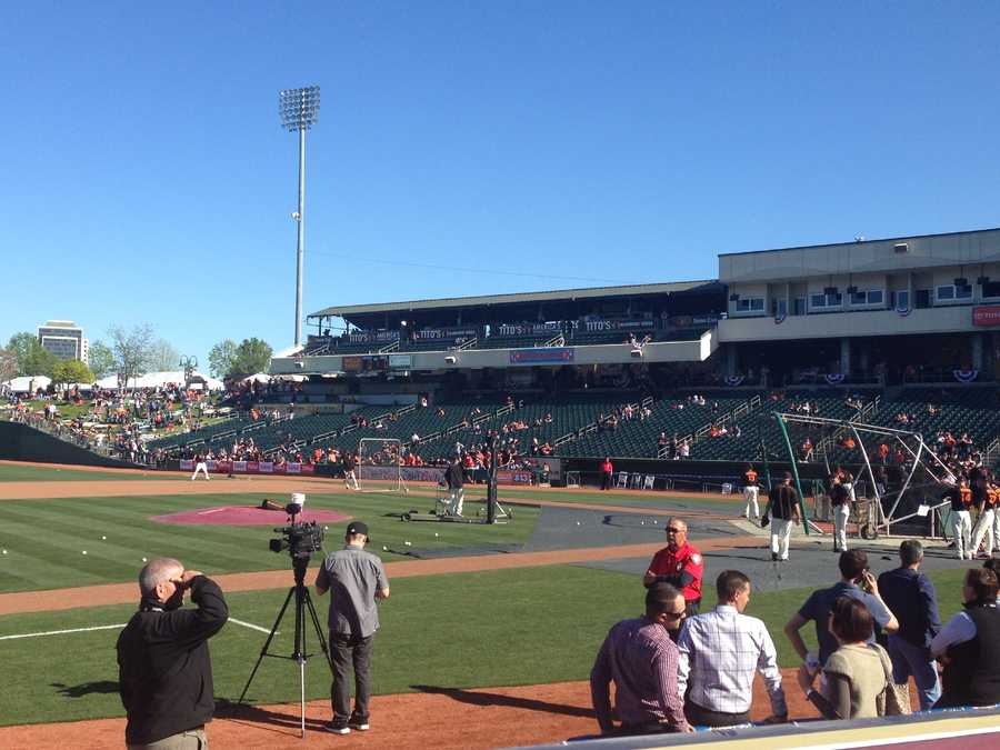 Here's a shot of the pros taking batting practice.