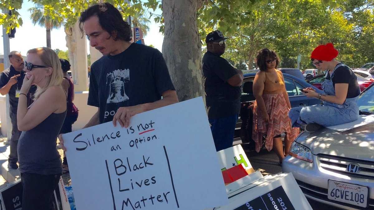 With loud voices and flashing signs, supporters of the Black Lives Matter movement stood outside of the Sacramento Police Department on Saturday, July 16, 2016. They held a peaceful rally along Freeport Boulevard. Here are some photos. (July 16, 2016)