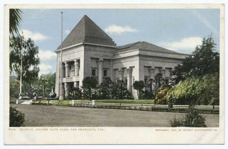 A postcard from the Detroit Publishing Company showing the original de Young Museum building. It was originally housed in the Egyptian-themed Fine Arts Building left over from the California Midwinter International Exposition in 1894.