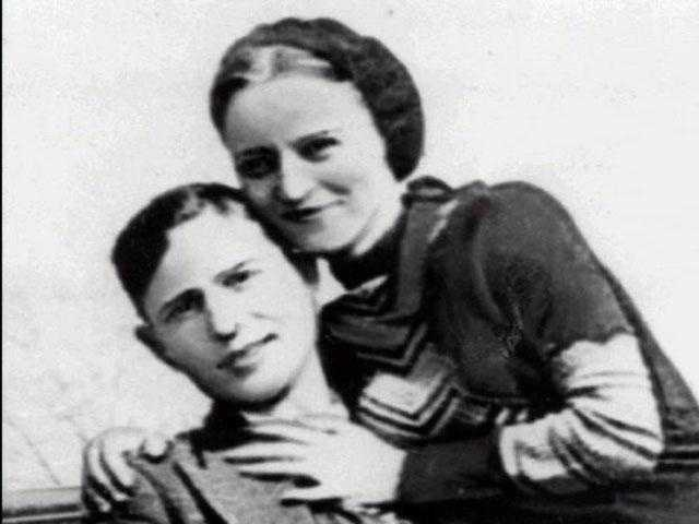 Bonnie Elizabeth Parker (1910 - 1934) Half of the infamous Bonnie and Clyde duo, Parker was part of a gang of criminals who traveled the U.S. during the Depression. Clyde Barrow and his gang are believed to have killed at least nine police officers and several civilians. The couple was eventually ambushed and killed in Louisiana by law officers.
