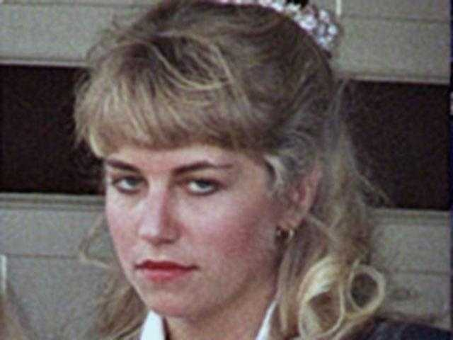Karla Homolka (1970 - ): Canadian who assisted her husband in the 1991 and 1992 kidnapping, rapes and murders of two young women and her own sister. Bernardo received a life sentence, but Homolka plea bargained a deal that got her released in 2005. She has since married, had a baby and changed her name.