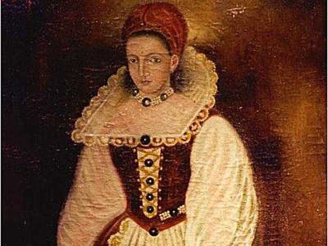 Elizabeth Bathory (1560 -1614): Sadistic Hungarian countess accused in the deaths of hundreds of young women, whose blood she bathed in to remain youthful. She was convicted, though never formally tried, of killing 80 women, and was walled into a section of the castle under house arrest.