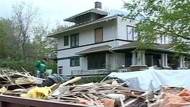 Tornado recovery efforts continue in Thurman