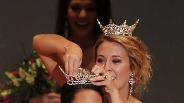 Miss Nebraska Mariah Cook Crowned