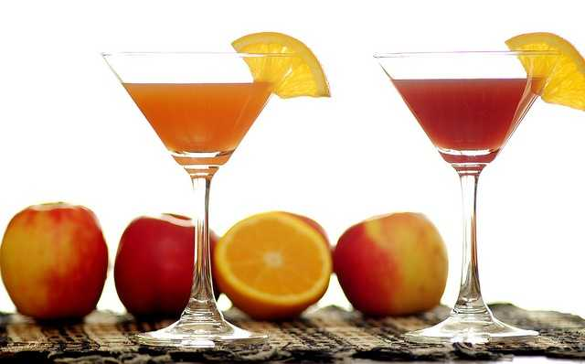 Avoid drinks with alcohol, caffeine or large amounts of sugar.