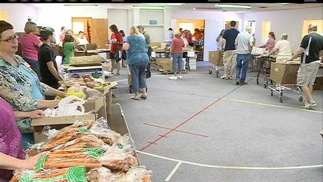 Mobile food pantry helps hundreds