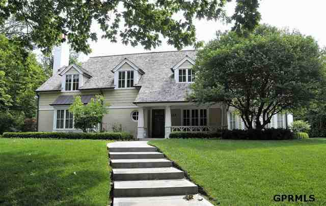 This 5-bedroom, 5-bath home at 617 Fairacres Rd. was built in 1951. The listing price is $1,795,000. See original listing on REALTOR.com.