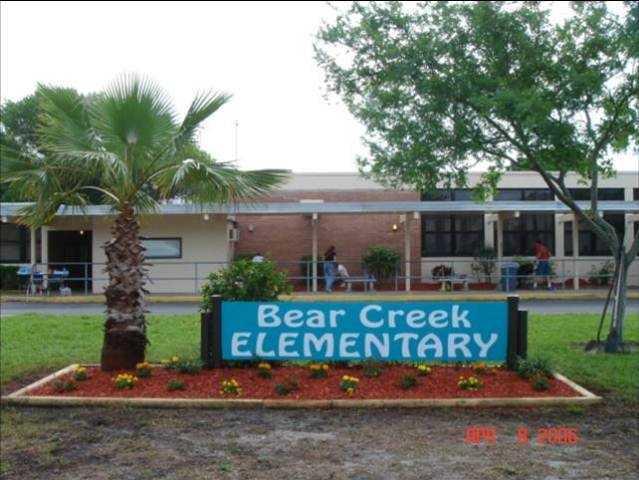 Florida - Pinellas County Schools scores A+ (100).