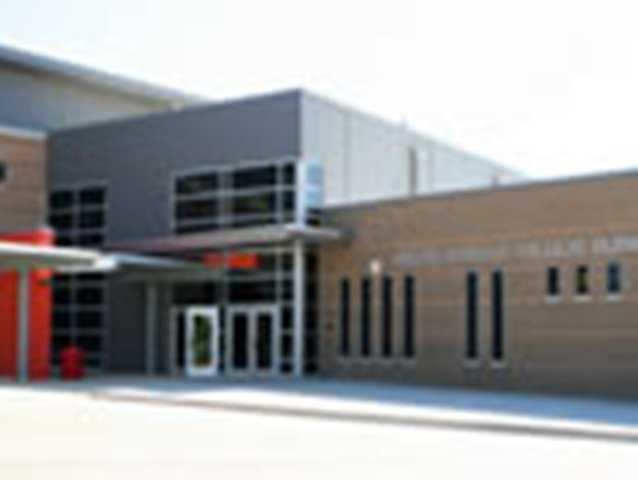 Texas -Dallas Independent School District scores B (85).